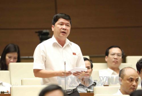 Liên quan đến lĩnh vực quản lý đất đai, đại biểu Tạ Văn Hạ (Bạc Liêu) chất vấn Bộ Tài nguyên và Môi trường giải quyết như thế nào?
